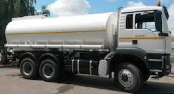 White colour water or ( Liquid container ) tanker.